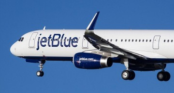 JetBlue Offering Free Airport Yoga Classes